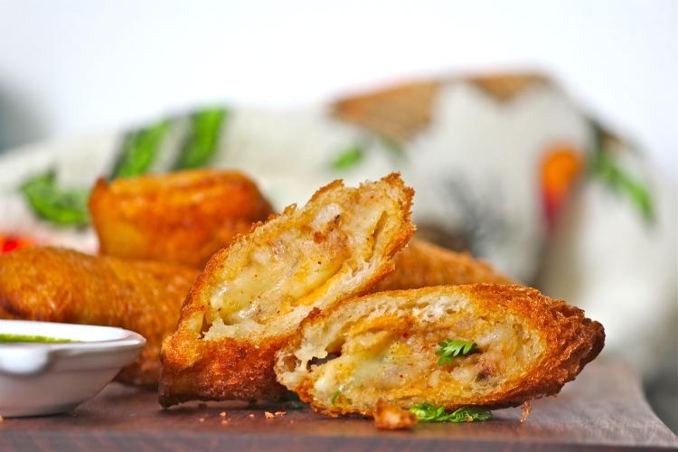 Cheesy Potato Bread Rolls