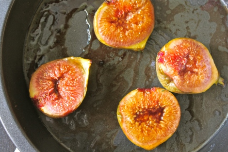 Balsamic roasted figs